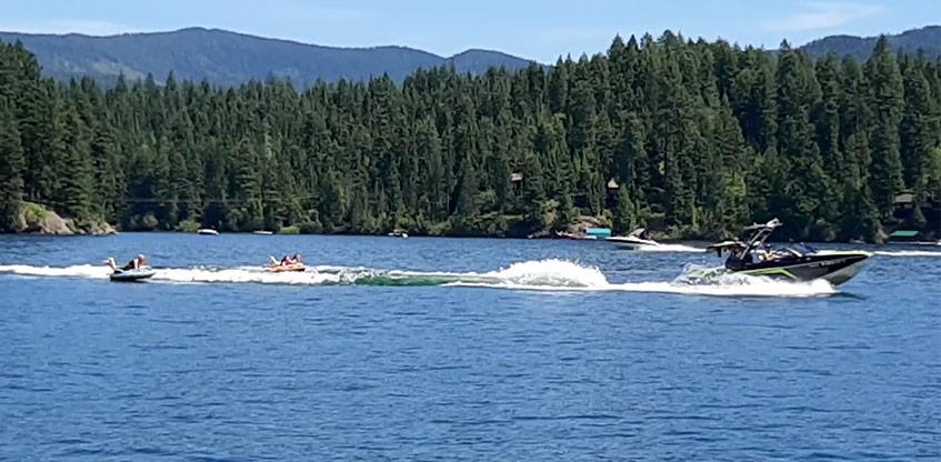 Recreational Boating on Hayden Lake